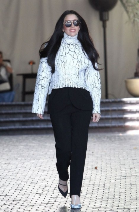 Lady-Gaga-in-Balenciaga-Chateau-Marmont-Hotel-West-Hollywood-600x917